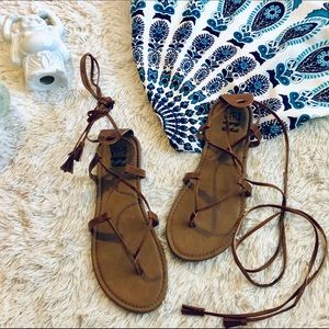 Billabong gladiator sandals